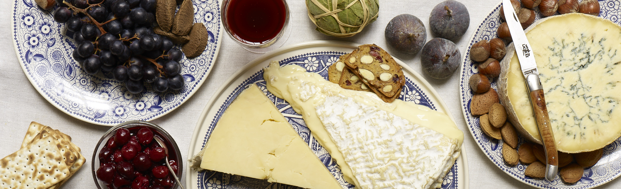 Serving and Cutting Your Christmas Cheese